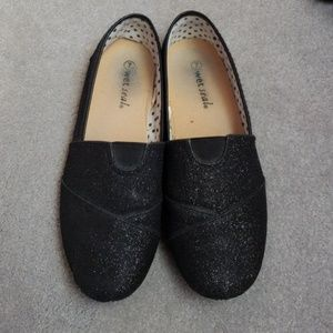 Wet seal sparkle black flats